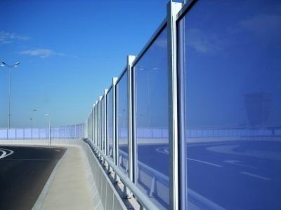Transparent noise barriers